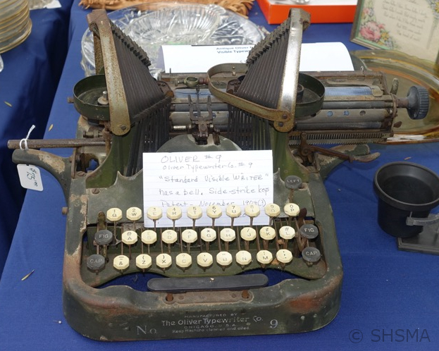 2015 For Sale - Vintage Typewritter