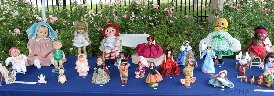 2015 Display of Vintage Dolls