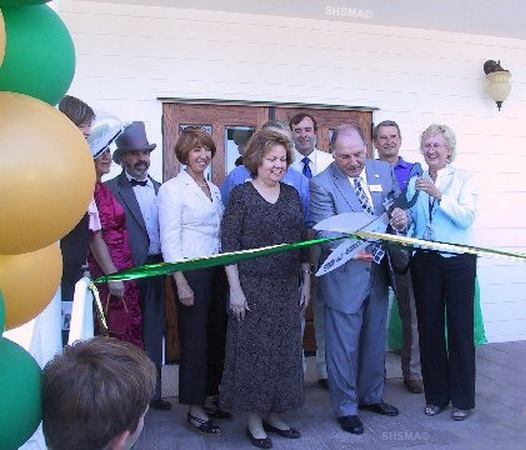September 27, 2008 - Sunnyvale City Mayor Tony Spitaleri and Museum Director Laura Babcock cutting the ribbon