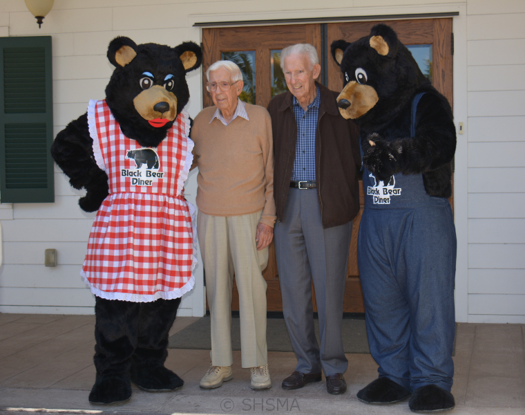Ma and Pa Bear with Tikvica Brothers